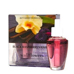 💜 2-PC BLACK RASPBERRY VANILLA WALLFLOWER REFILL